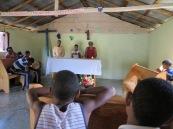 Celebració de la Paraula a la capella de La Higuera. Santa i Antonio els animadors de la comunitat